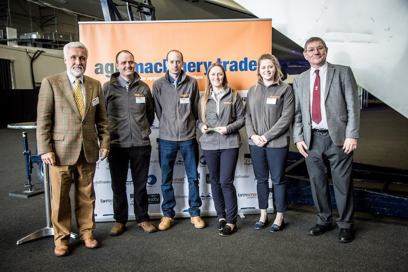 IAgrE sponsors Agri Machinery Blue Ribbon award for Outstanding Contribution to agriculture
